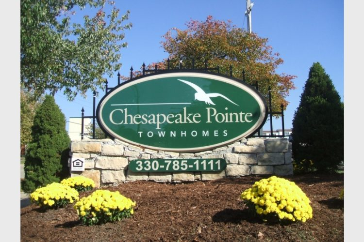 Chesapeake Pointe Townhomes Outdoor Sign